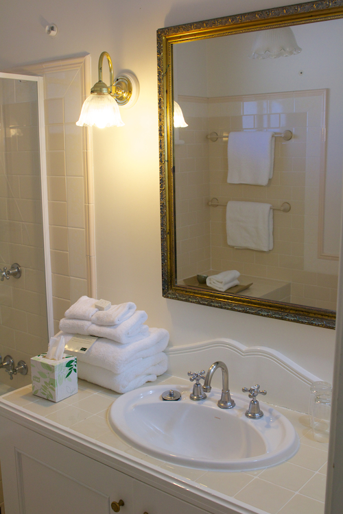Bathroom of superior suite Peppers Convent.