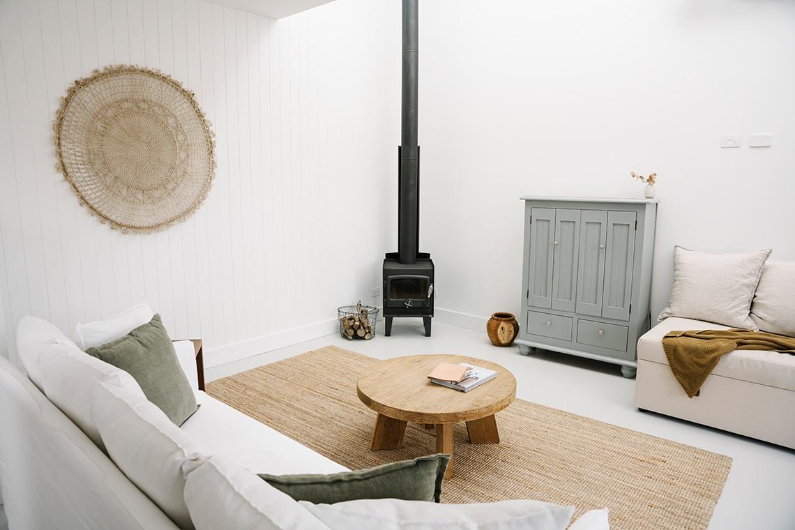 Beach Cottage Living Room Escape Button